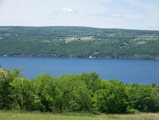 Shtayburne Farm Lake